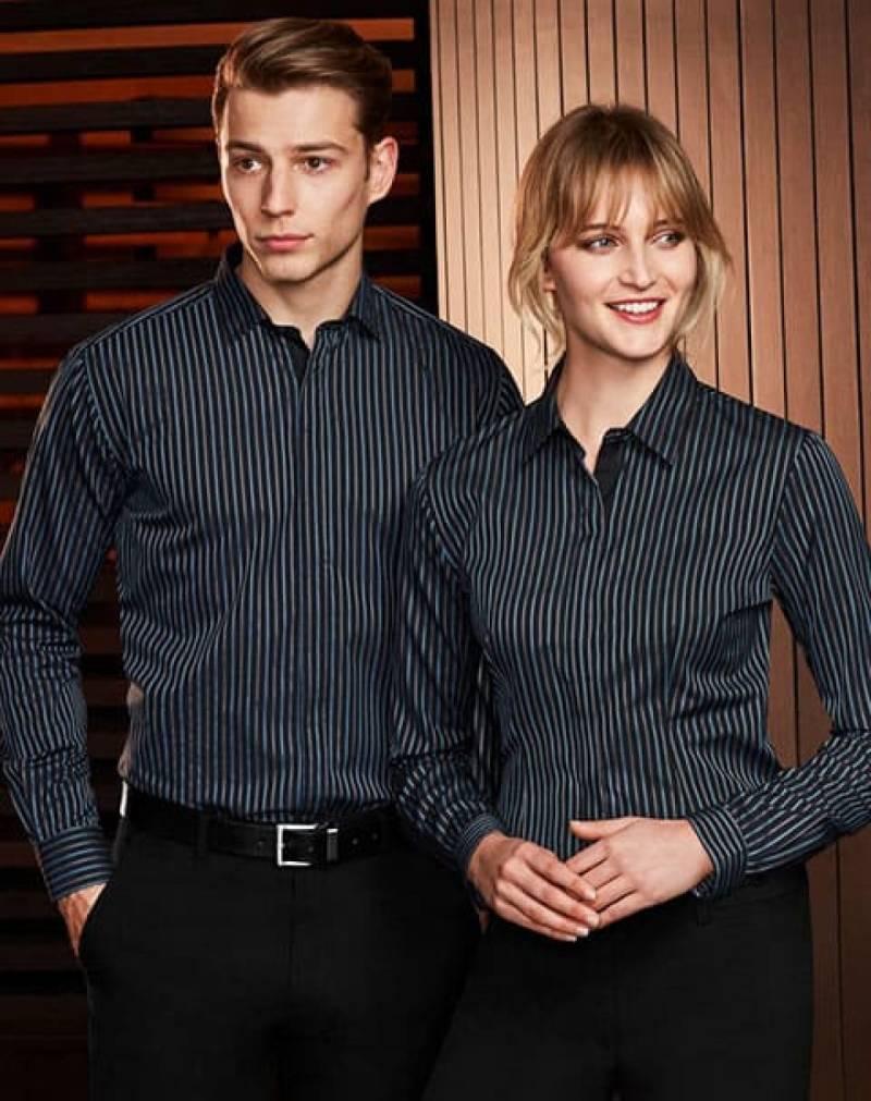 Áo sơ mi đồng phục công sở thiết kế sang trọng, thanh lịch, xây dựng uy tíins trong lòng khách hàng
