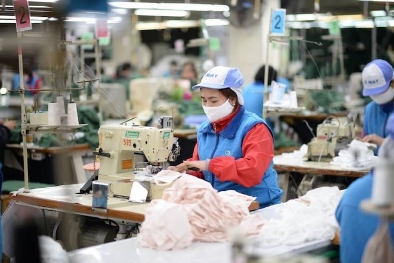 Không chỉ đầu tư về cơ sở vật chất mà dệt may Phú Cường còn tập trung nhân sự chất lượng cao nhằm hướng đến công ty may đồng phục top đầu trên địa bàn tỉnh