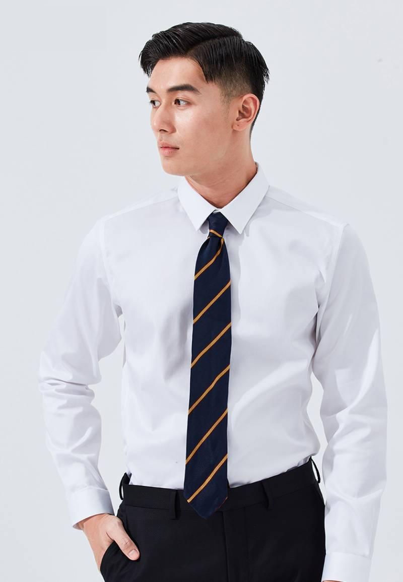 Lựa chọn trang phục tế nhị, lịch sự phù hợp môi trường công sở