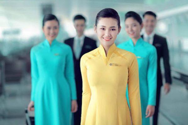 Là trang phục truyền thống của dân tộc, áo dài mang đến cho khách hàng những ấn tượng tốt đẹp về công ty và doanh nghiệp khi gặp gỡ