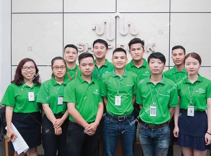 Các mẫu áo phông đồng phục công sở đem đến sự thoải mái, thoáng mát và tiện dụng cho nhân viên khi làm việc