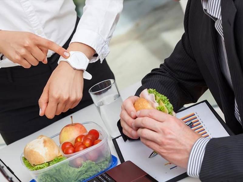 Thói quen bỏ bữa sáng hoặc ăn sáng cẩu thả dẫn tới bệnh viêm loét dạ dày