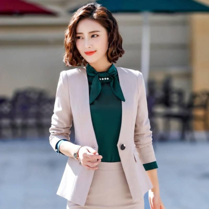 Áo vest thể hiện sự sang trọng, lịch sự và tinh tế khi mặc đồng phục