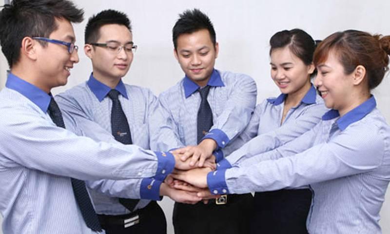 Việc mặc áo giống nhau trong công ty còn nâng cao tinh thần trách nhiệm và tình đoàn kết giữa các thành viên công ty