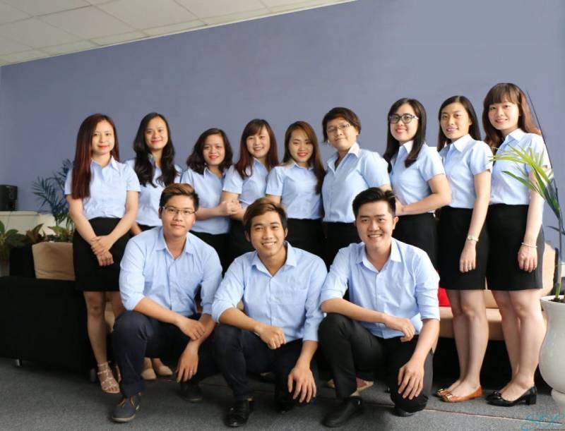 May đồng phục công sở giúp xây dựng hình ảnh chuyên nghiệp, tạo uy tín với khách hàng