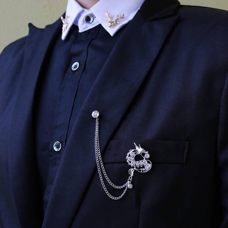 Lựa chọn tỷ lệ và số lượng phụ kiện đồng phục công sở phù hợp tạo vẻ đẹp hài hòa