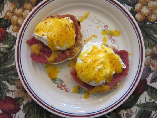 Thói quen bỏ bữa sáng hoặc ăn sáng cẩu thả do tính chất công việc của dân văn phòng