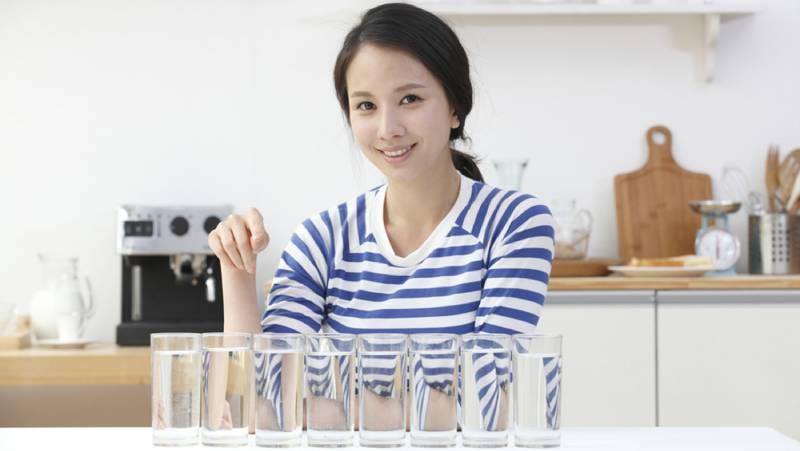 Thói quen lười uống nước thường gặp ở đa số dân văn phòng hiện nay