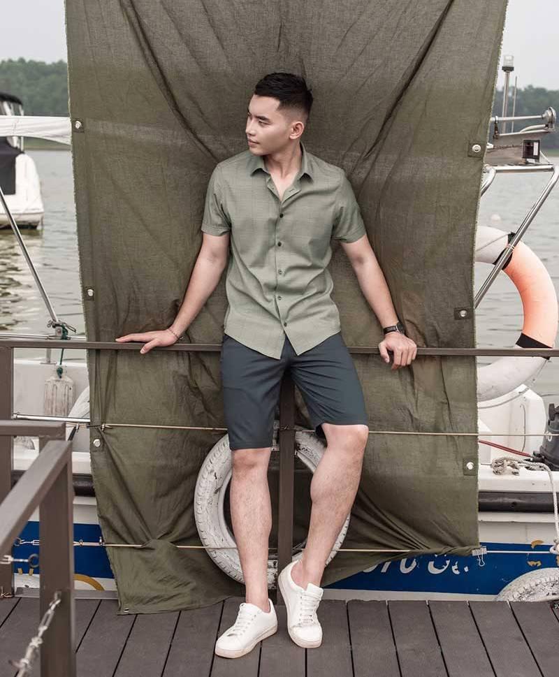 Outfit thời trang nam mùa hè 2021 mang tới sự năng động trẻ trung là lãng tử