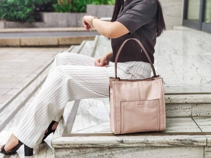 Túi xách nữ đồng phục công sở, vừa tiện dụng vừa tạo nét thời trang hiện đại