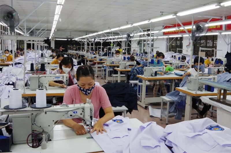 Tiêu chí lựa chọn xưởng may đồng phục công sở giá rẻ nhưng vẫn đảm bảo chất lượng tiêu chuẩn