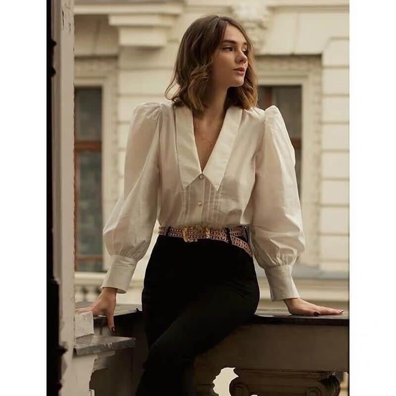 Không chỉ có những thiết kế thời trang mà Zara còn đem đến các mâu áo chất lượng nhất cho chị em