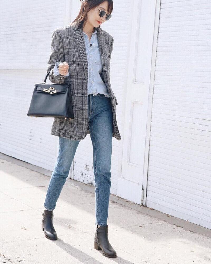 Phong cách áo blazer kết hợp với áo sơ mi nữ đem đến sự năng động, cá tính