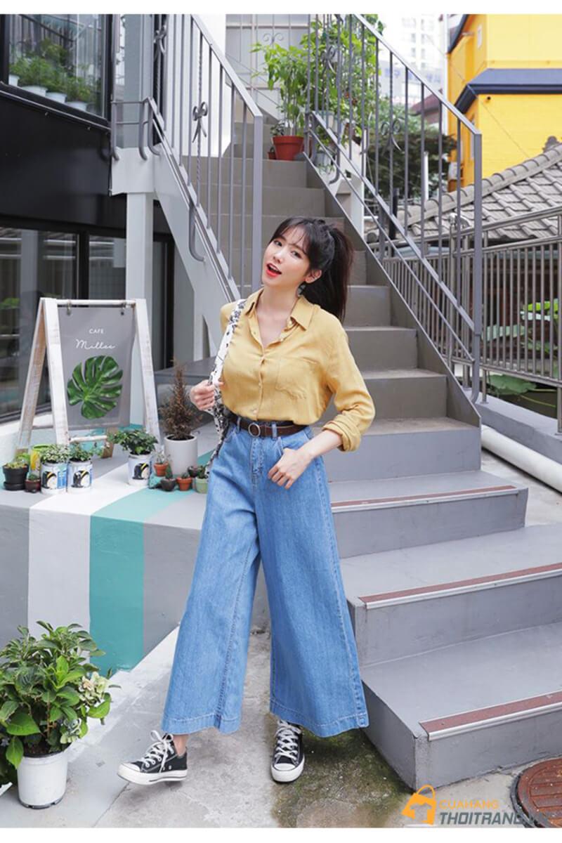 Cách phối đồ với áo sơ mi nữ cùng quần jean ống suông hot trend tạo phong cách trẻ trung, thời thượng