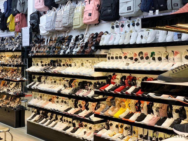 HNM Sneaker cũng là địa chỉ đáng tin cậy dành cho phái mạnh khi mua giày thể thao