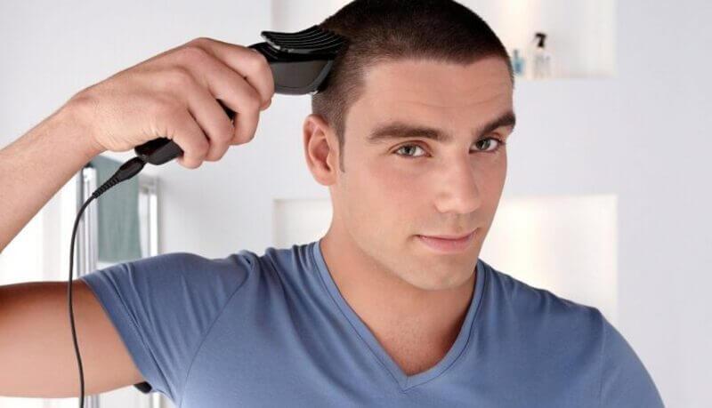 Khi cắt tóc nam tại nhà nếu chưa có kinh nghiệm bạn cần lưu ý chọn kiểu tóc đơn giản, dễ thực hiện