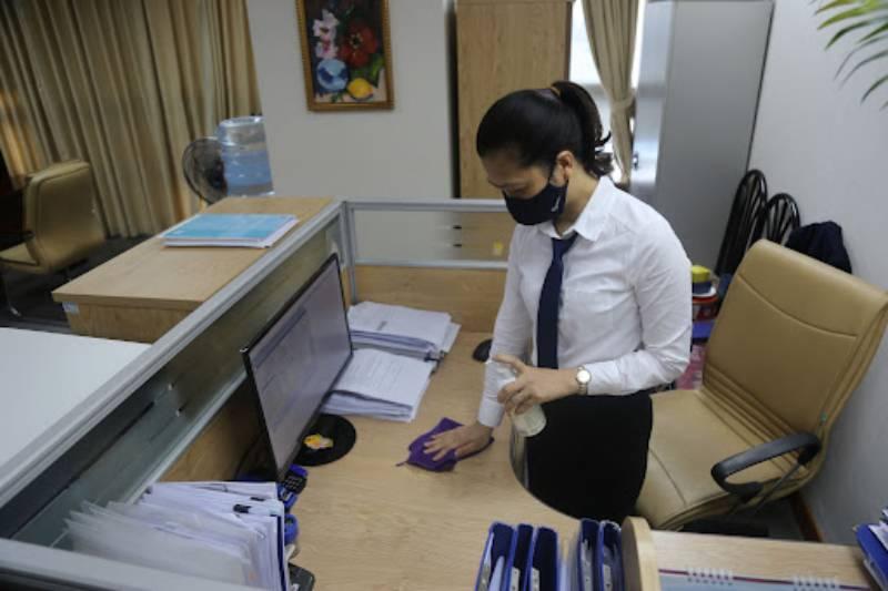 Sử dụng khăn lau có cồn đề nâng cao khả năng diệt khuẩn, nấm mốc