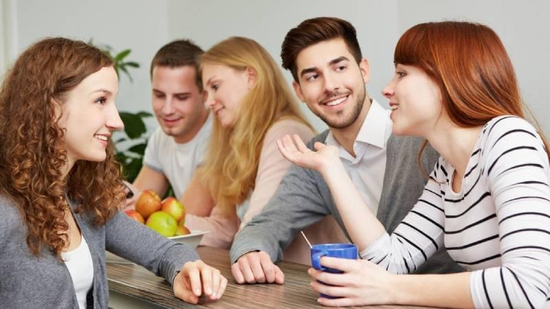 Nhớ tên người giao tiếp giúp đối phương có ấn tượng tốt ngay từ ban đầu với bạn
