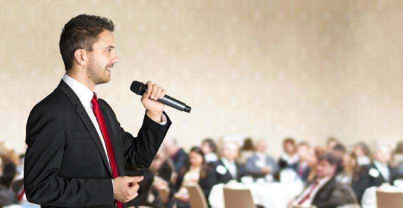 Một cách giao tiếp hiệu quả đó là nói rõ ràng, ngắn gọn và súc tích giúp người nghe không nhàm chán