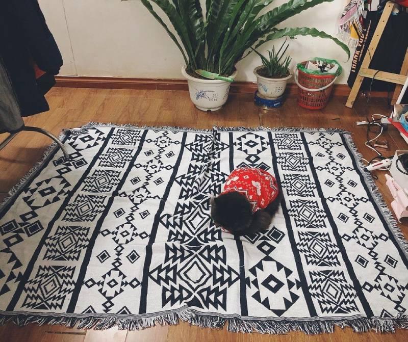 Thảm trải sàn thổ cẩm, món đồ decor phòng ngủ phong cách Vintage