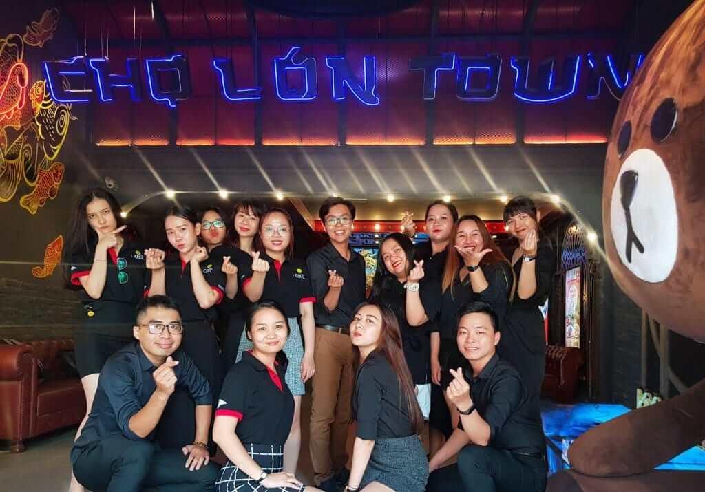 Mẫu đồng phục nhân viên quán karaoke